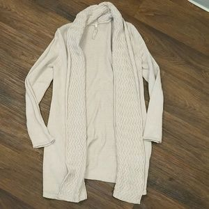 Leo & Nicole medium tan beige shrug sweater